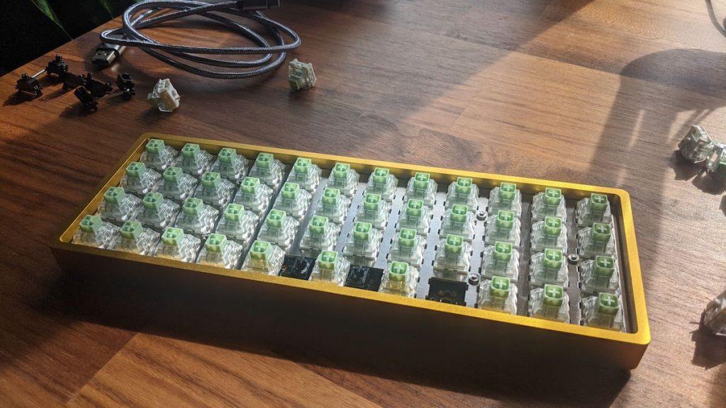 Drop Planck ortholinear keyboard without keycaps.